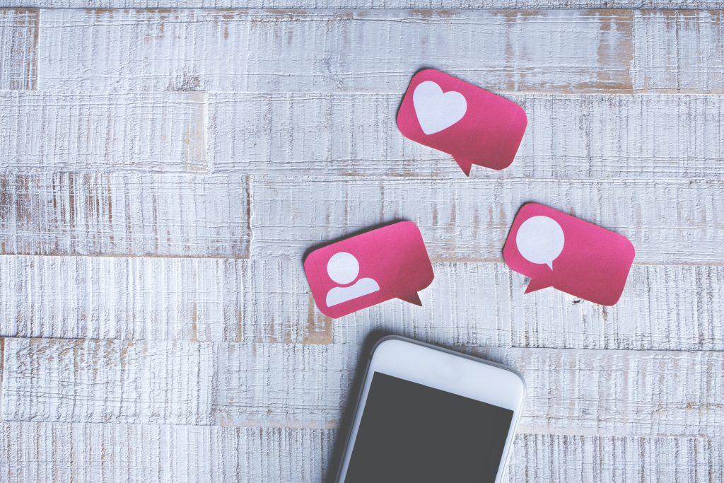 Former son entreprise aux réseaux sociaux : une nécessité aujourd'hui